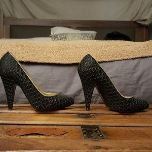 Stella McCartney Black and Gold Heels - 38 / 7.5